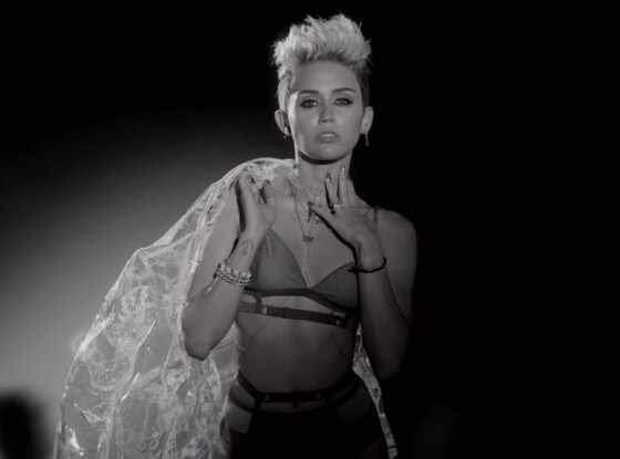 Miley Cyrus, Big Sean Fire Video