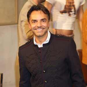 Eugenio Derbez asistio las 100 representaciones de la obra La Caja en el teatro Renacimiento.