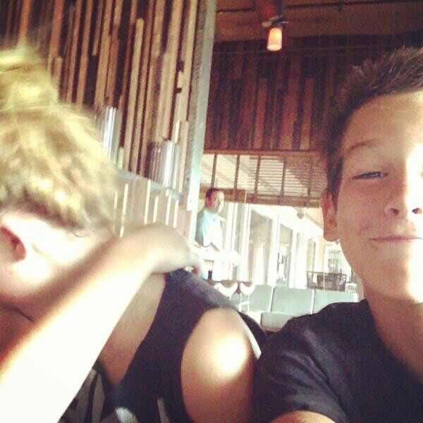Miley Cyrus, filho Pierce Brosnan