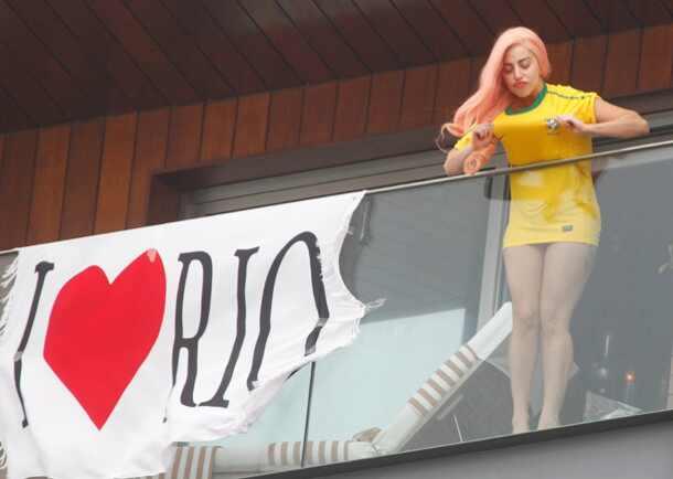 Lady Gaga bikini Brazil