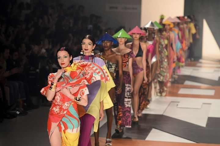 São Paulo Fashion Week desfiles coloridos