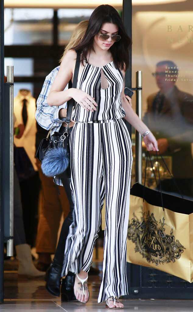 Between The Lines From Kendall Jenner 39 S Street Style E News