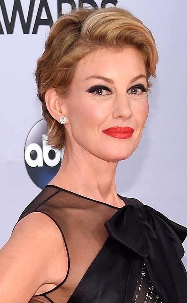 faith hill hair styles faith hill chops locks for the 2014 cma awards see 9853