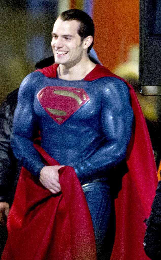 http://images.eonline.com/eol_images/Entire_Site/2014108//rs_634x1024-141108130936-634.Cape-Amy-Adams-Henry-Cavill-Superman-Batman.jl.110814.jpg