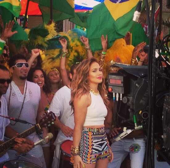 Jennifer Lopez, Claudia Leitte  e Pitbull