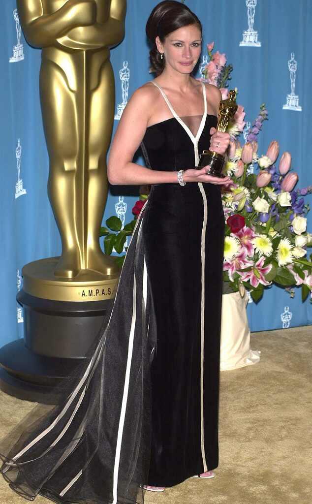 Julia Roberts, Oscars, Dresses, 2001