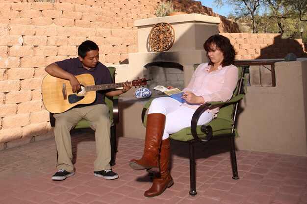 Selena Gomez fotos rehab reabilitação clínica Meadows
