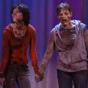 Zombie Lesbian Kiss