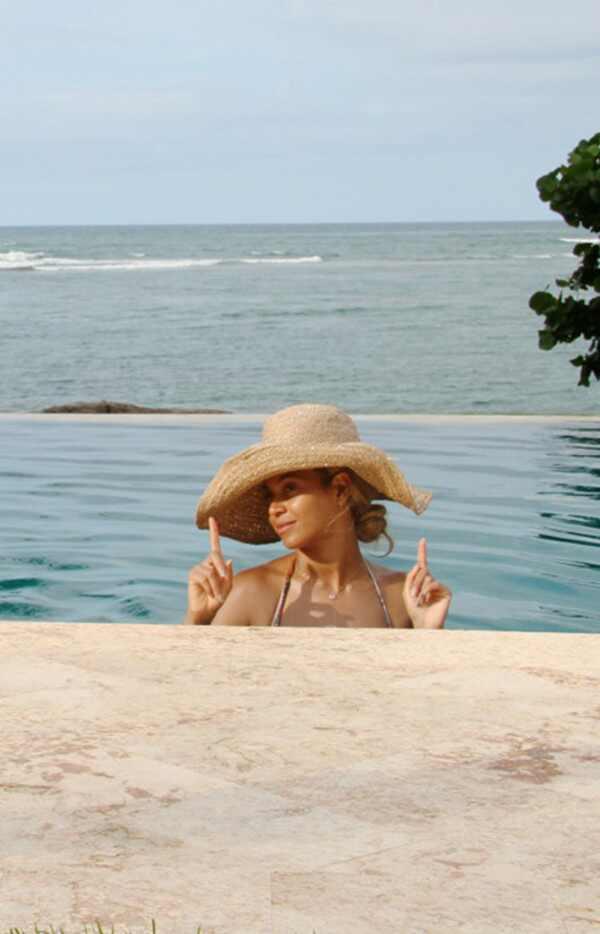 Beyonce beyonce piscina biquini