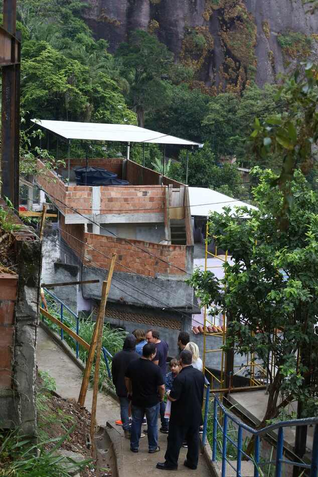 Kanye West visita favela Morro do Vidigal