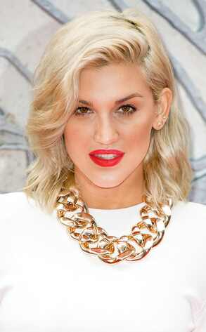 Ashley Roberts, Chunky Chains