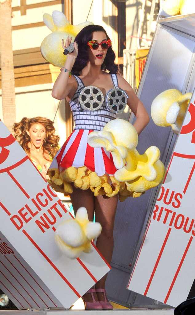 Katy Perry, Food Outfits, Popcorn