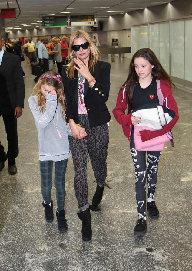 Kate Moss corpo biquíni aeroporto Brasil Rio de Janeiro