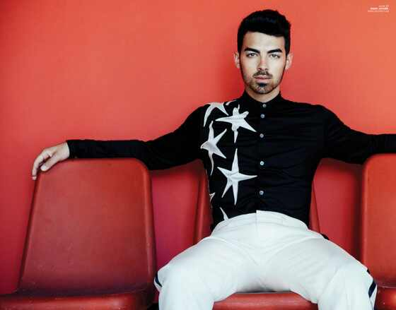 Joe Jonas, Scene Magazine