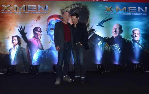 James McAvoy mostra a cueca em lançamento do X-Men