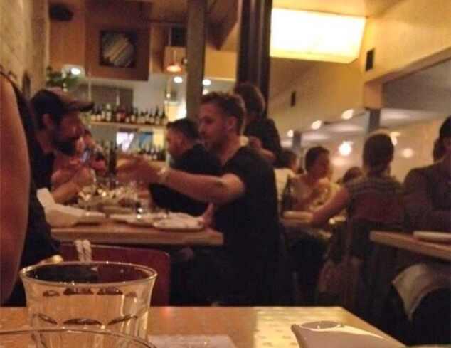 Ryan Gosling fez rara aparição em tapete vermelho