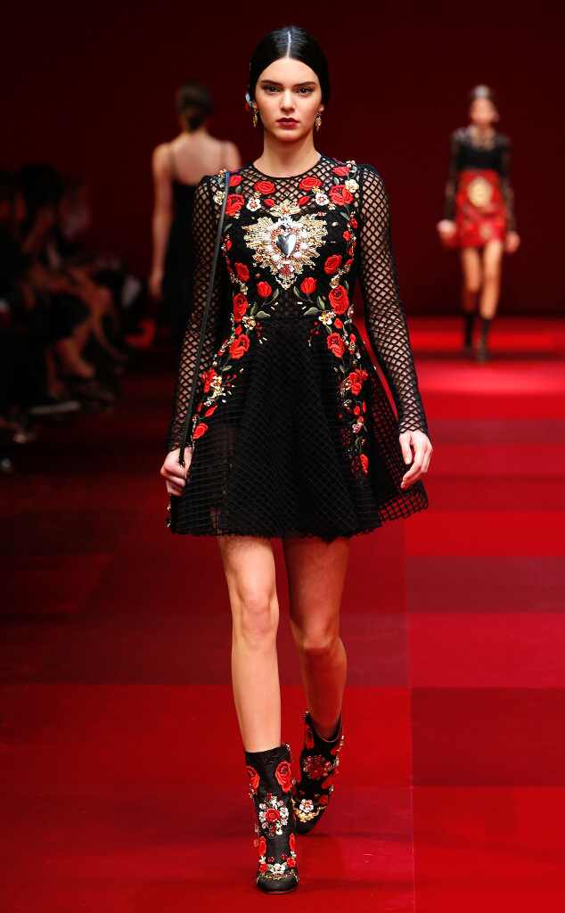 Kendall jenner is front and center at dolce gabbana 39 s - Best runway shows ...