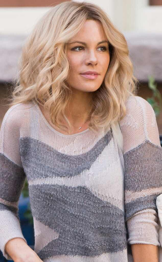 kate beckinsale hair styles kate beckinsale sports blond hairstyle on the set of the 8801