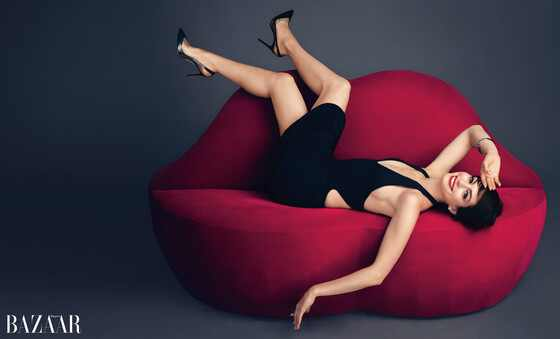Anne Hathaway Poses Topless for Harper's Bazaar, Recalls ...
