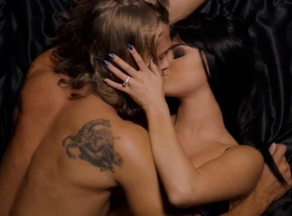 Sexy videos of selena gomez