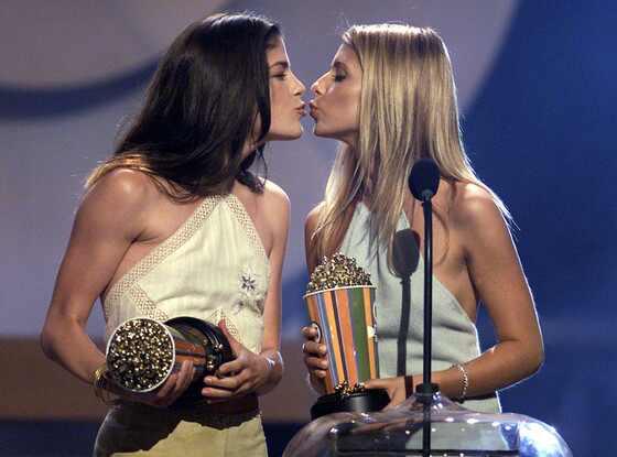 Selma Blair Lesbian Kiss 67