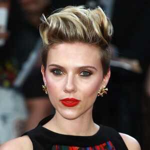 ESC, Scarlett Johansson