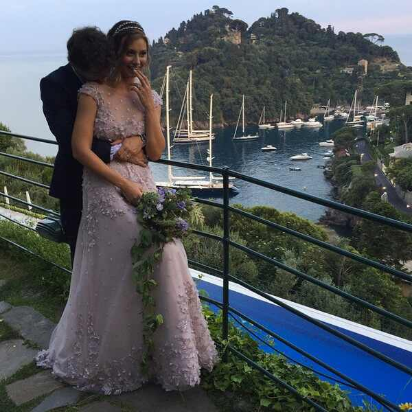 aly michalka is married see photos of the former disney star s stunning wedding in italy e news