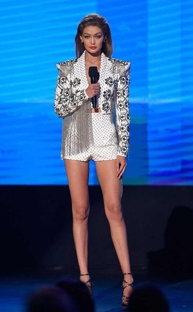 Gigi Hadid, AMAs, 2016 American Music Awards
