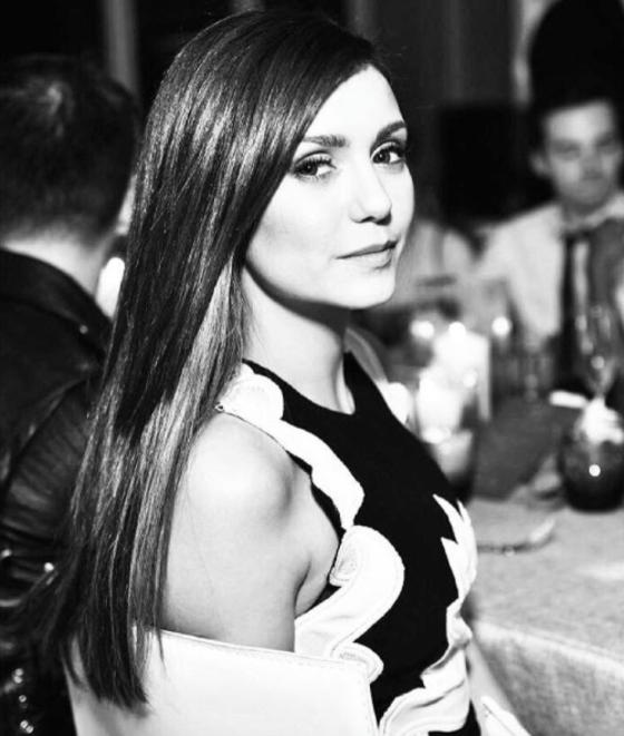 Nina Dobrev arrisca seu português e evita falar de The Vampire Diaries