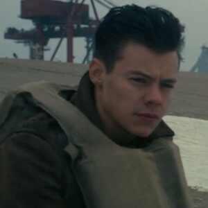 Harry Styles conta como se sentiu ao cortar os cabelos para Dunkirk