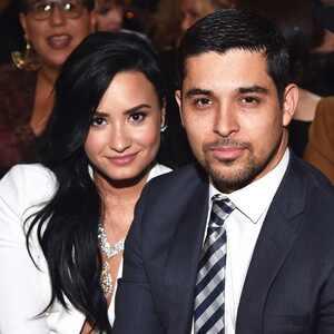 Wilmer Valderrama, Demi Lovato, 2016 Grammy Awards, Candids