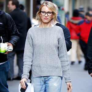 ESC: Naomi Watts, Sweater