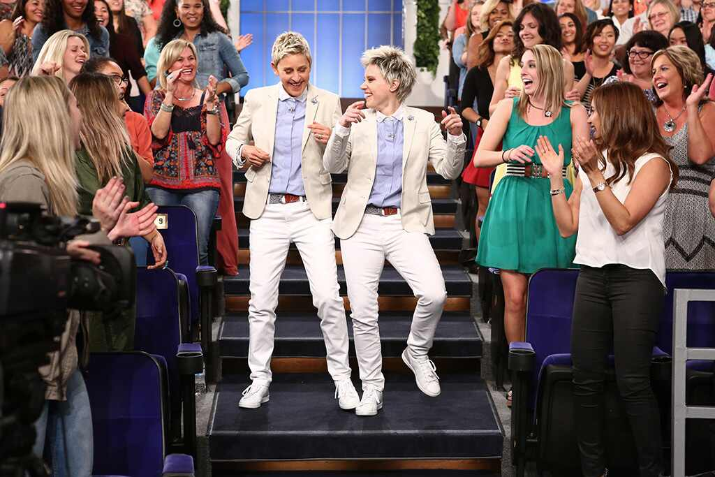 Kate mckinnon does her ellen degeneres impression on the ellen degeneres show and tells wildly - Ellen show live ...