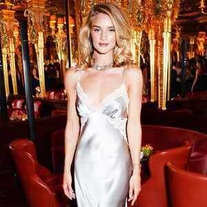 ESC: Rosie Huntington-Whiteley, Lingerie Trend