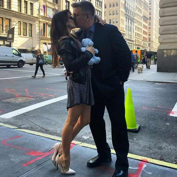 Hilaria Baldwin Is Pregnant Alec Baldwin S Wife Announces