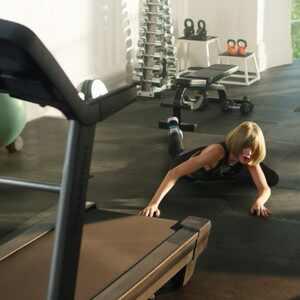 Taylor Swift sabe rapear hasta cuando se cae ¡Mírala! (+ Video)