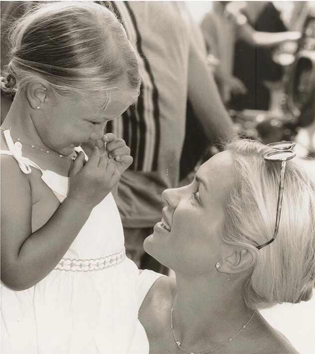Gigi Hadid Celebrates 21st Birthday With Family And Mom