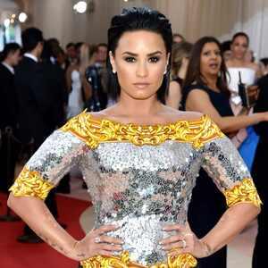 Demi Lovato, MET Gala 2016, Arrivals