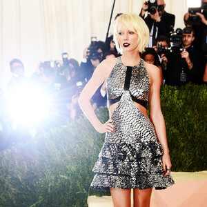ESC: Taylor Swift, MET Gala 2016