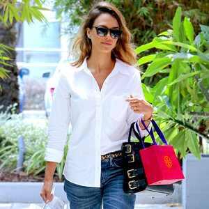 ESC: Jessica Alba, Shopping