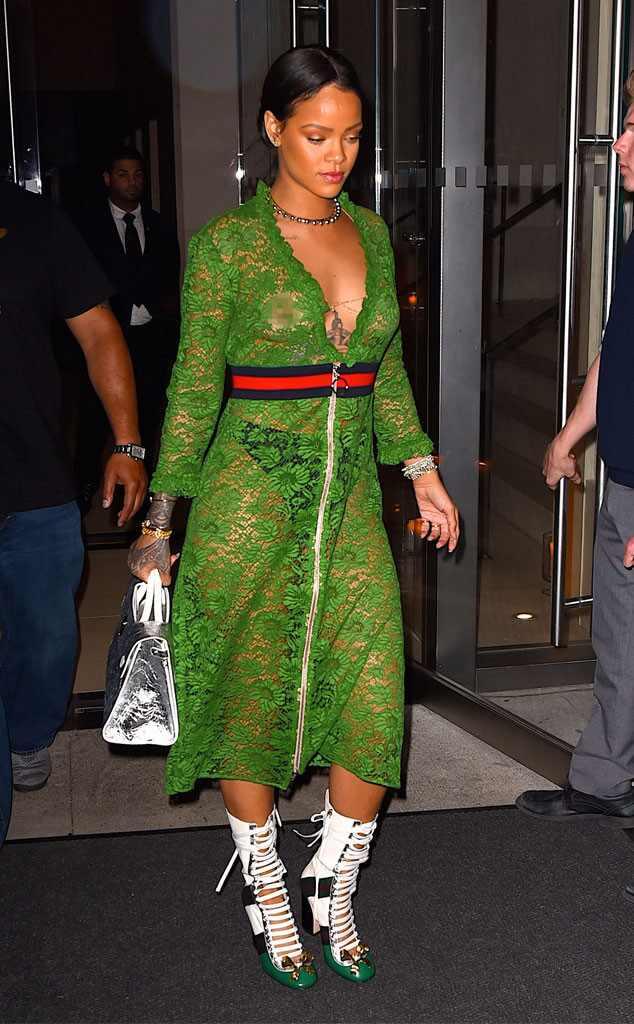 Rihanna Vuelve A Mostrar Sus Pezones En Un Vestido