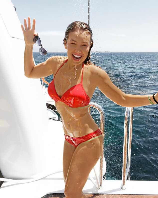 Thal 237 A Shares Photos From Her Epic Yacht Vacation With Dee Ocleppo Hilfiger E News