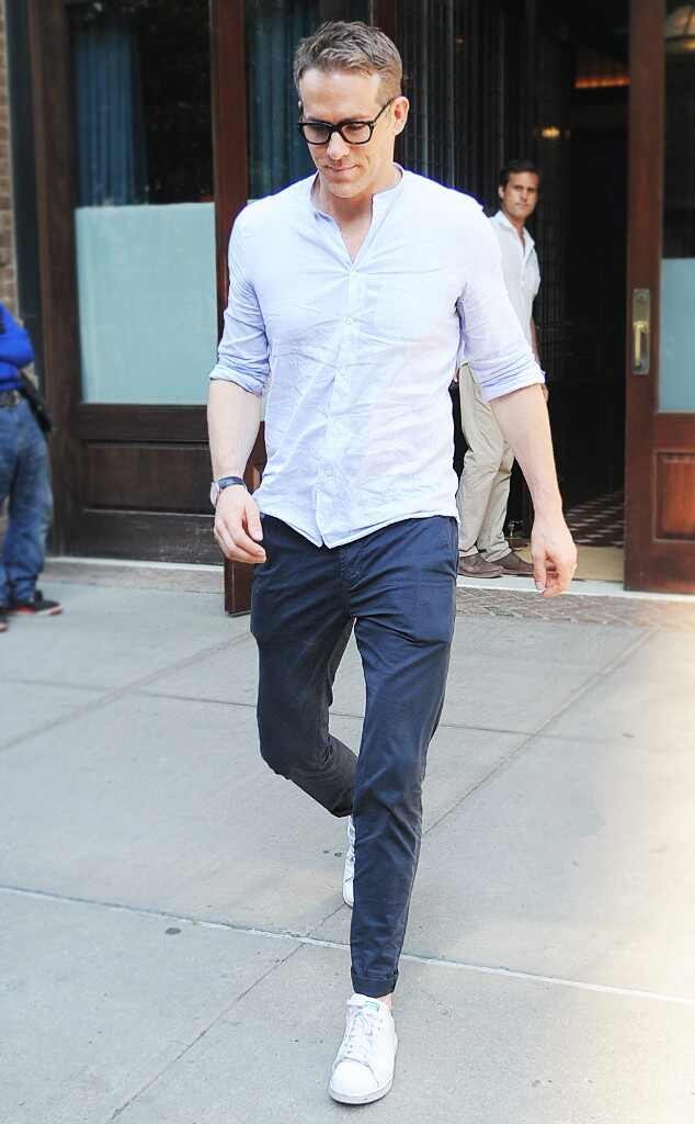 Ryan Reynolds From How To Dress Like These Hollywood Hunks E News