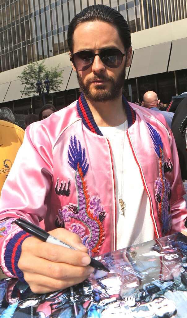 Jared Leto luce aterradoramente encantador en esta nueva imagen del Guasón (+ Foto)