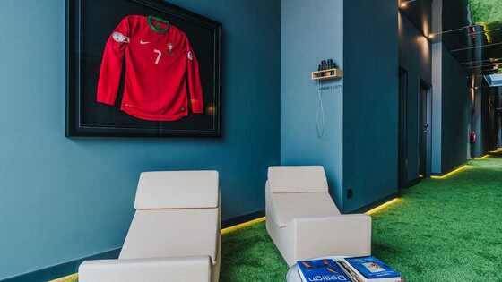 Cristiano Ronaldo, Hotel