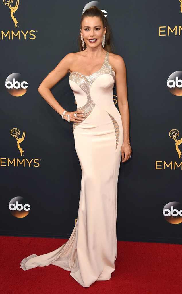 2016 Emmys Red Carpet Arrivals Sofia Vergara, 2016 Emmy Awards, Arrivals