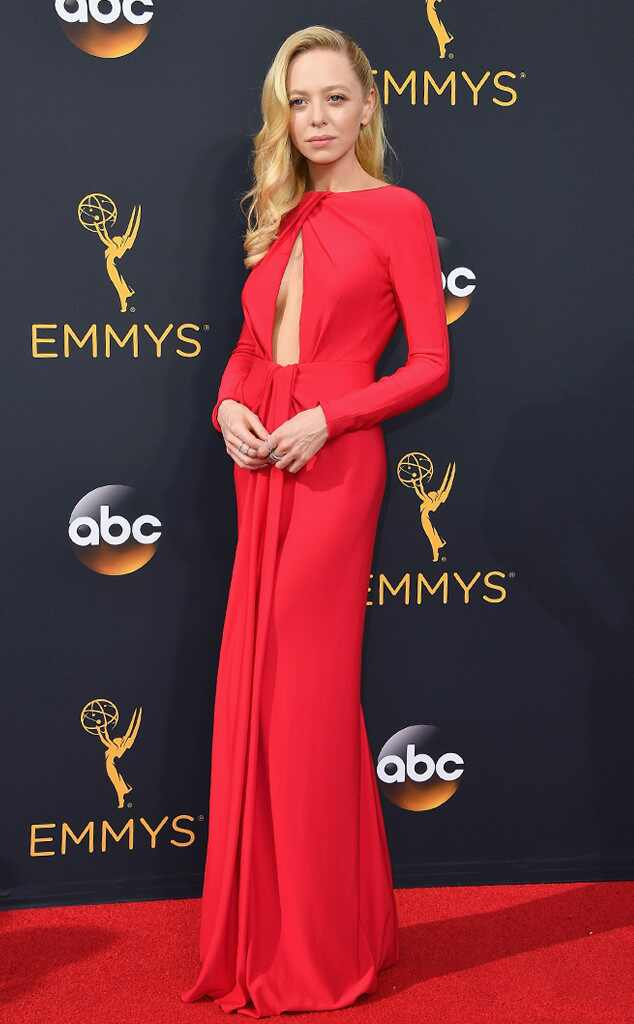 2016 Emmys Red Carpet Arrivals Portia Doubleday, 2016 Emmy Awards, Arrivals