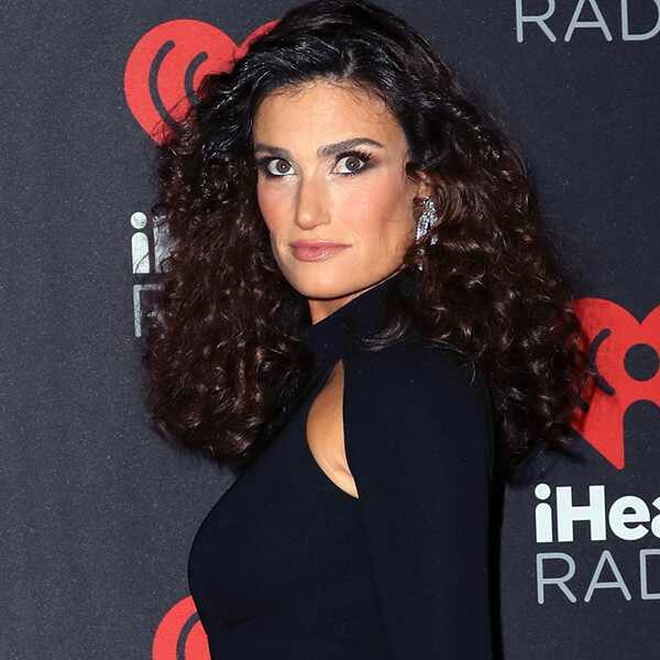 Idina Menzel, Engagement Ring
