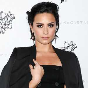 ESC: Demi Lovato, Nails