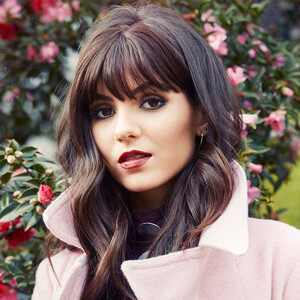 ESC: Victoria Justice , Beauty Beat